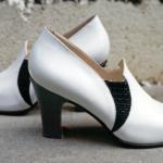 Der Herr der Schuhe - Frankfurt - Pumps – Massschuhe aus weissem Kalbleder und schwarzem Flechtleder