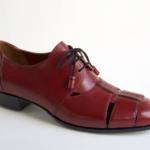 Der Herr der Schuhe - Frankfurt - Damen Schnürhalbschuh Derby – Massschuhe aus bordeauxfarbenem Kalbleder mit Durchbrüchen