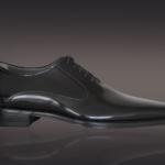 Der Herr der Schuhe - Frankfurt - Herren Schnürhalbschuh – Massschuhe aus schwarzem glänzendem Kalbleder