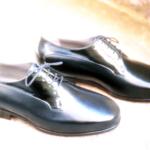 Der Herr der Schuhe - Frankfurt - Herren Schnürhalbschuhe Derby – Massschuhe aus schwarzem Albleder und Lackleder