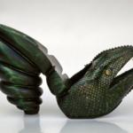 """Der Herr der Schuhe - Frankfurt - Wedge Modellschuhe aus grünem Schlangenleder mit einem ausgearbeiteten Holzplateau Ausstellungsstücke bei der Ausstellung """"Schuhe"""" des Zweckverbands Dachauer Galerien und Museen, 1997"""