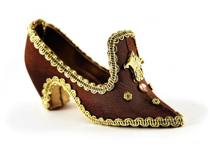 Der Herr der Schuhe Massschuhe Frankfurt Damenschuhe Mittelalter