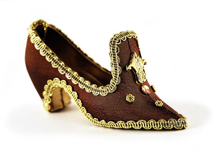 Antiker Damenschuh - Der Herr der Schuhe Massschuhe Frankfurt