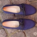 Maßschuhe, Damen klassisch, sommerliche Schnürhalbschuhe aus blauem Stoff